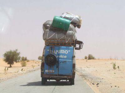 После столицы Нуакшота мы решили идти вглубь Сахары.