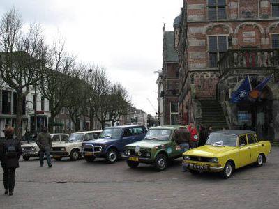 Провожает голландский Клуб любителей русской техники.