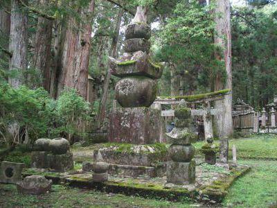 Этому кладбищу около 1200 лет...