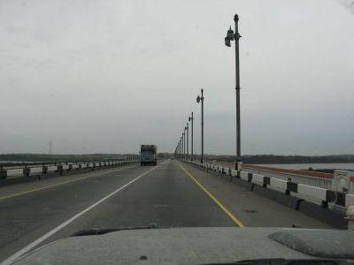 Самый длинный мост в России - около 2,5км.