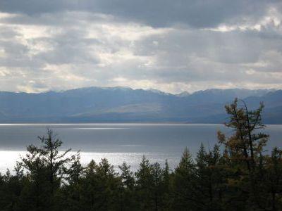 Озеро завораживает своей красотой...