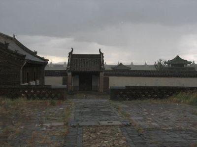 Дождь в монастыре...