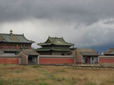 Комплекс древних храмов буддизма в Хархорине.
