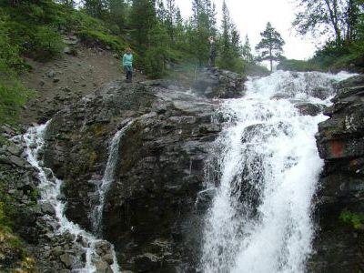 Водопад в Хибинах. Кивач вообще не водопад...