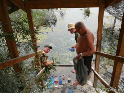 Берём воду в Шаман-ручье